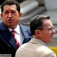 Chávez y Uribe - foto de EFE en aporrea.org