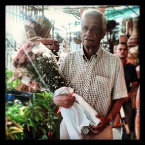 papá con flores